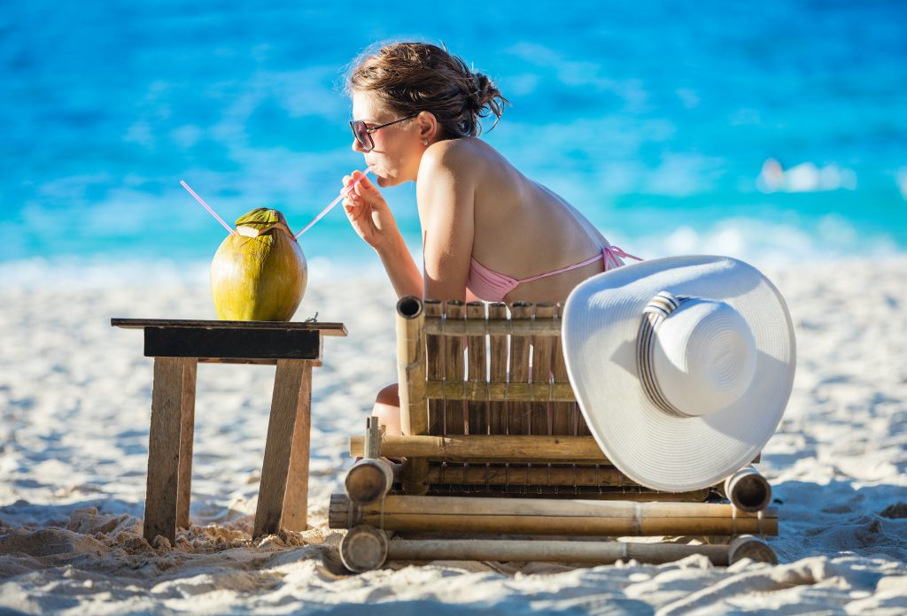 Coconut Health Benefits – Including Quick Fat Loss, Youthful Looking Skin And Anti-Aging!
